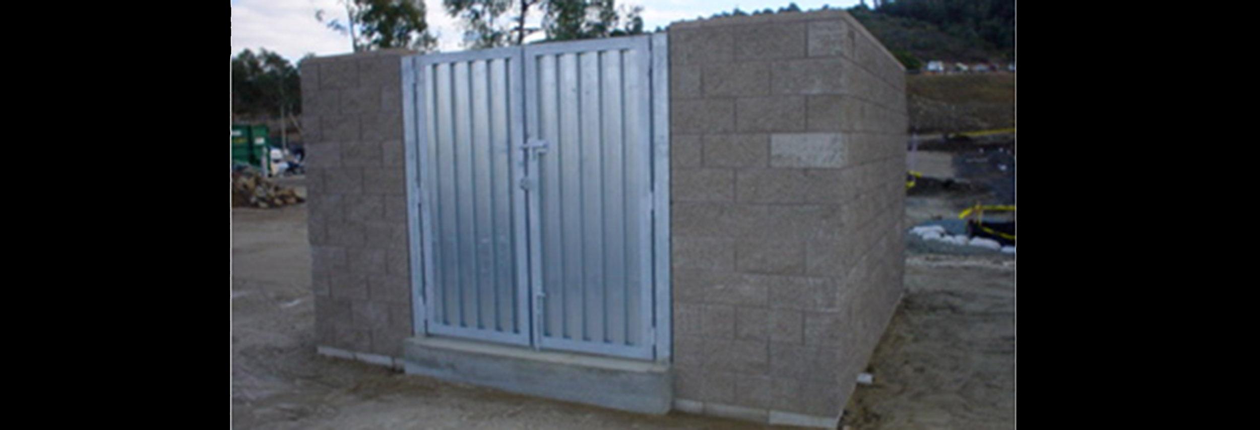 CSUSM Garage Mesh Trash Enclosure